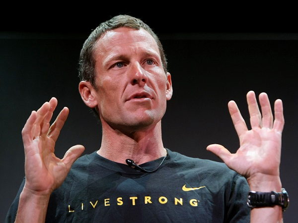 Lance Armstrong Has Awkward Moment While Playing Cards