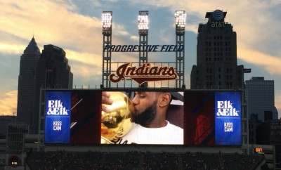 lebron james kiss cam