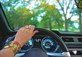 driving-918950_960_720